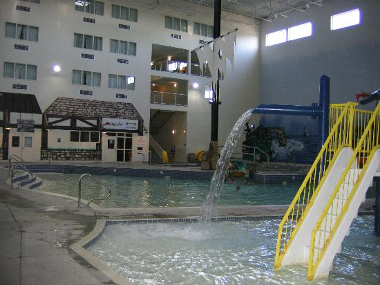 Holiday Inn Lethbridge: Ramada Water Park 1