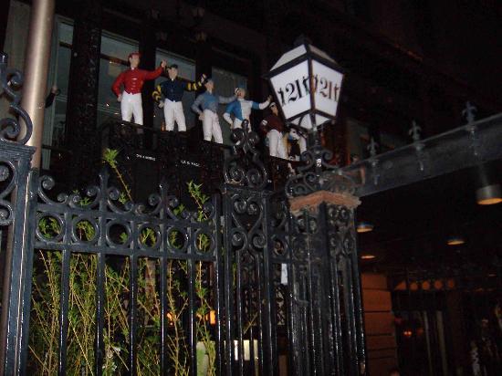 21 Club: The gate