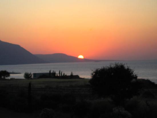 Akamanthea Holiday Village: Sunset