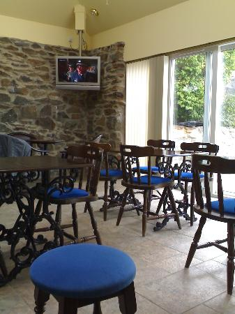 Aberdeen Larches Hotel: Bar area 1