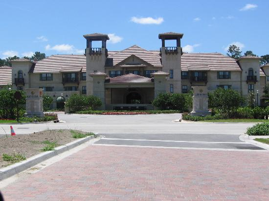 Laterra Resort & Spa: Front view of Laterra Resort