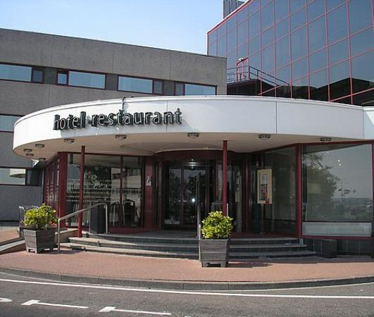 Exterior of the ibis schiphol airport hotel picture of for Ibis hotel amsterdam