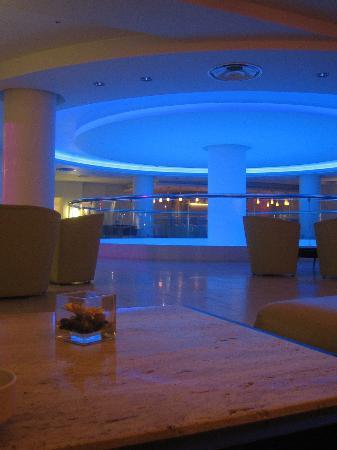 Napa Plaza Hotel: Bar within hotel