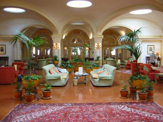 The Phoenicia Malta: lounge
