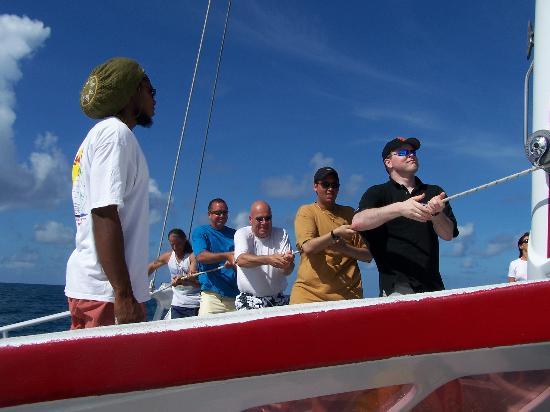 Lambada & Tango: Housting the sail of Lombada