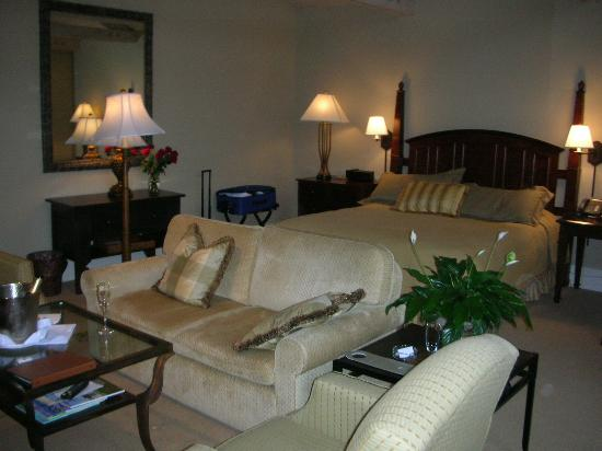 The Lodge at Pebble Beach: Spa Suite at The Lodge