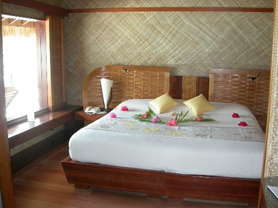InterContinental Bora Bora Le Moana Resort: Our bedroom