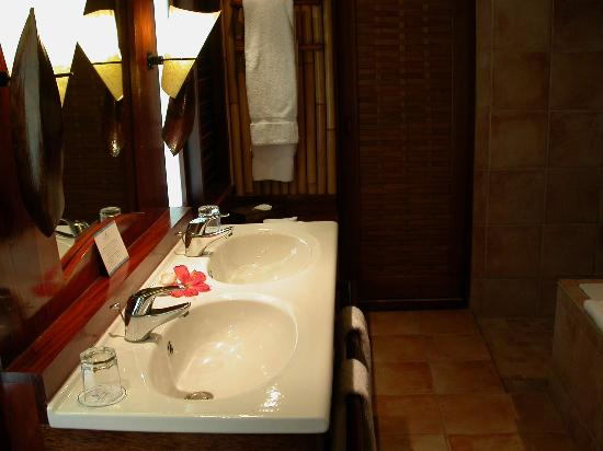 InterContinental Bora Bora Le Moana Resort: Our restroom facilities