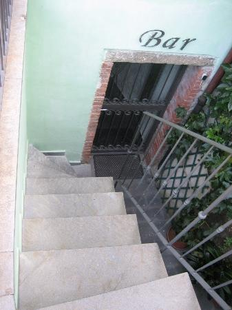 B&B and Apartments Da Baranin: More Stairs to rooms & breakfast area