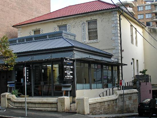 Altamont Hotel Sydney - by 8Hotels : Front of Hotel from the street