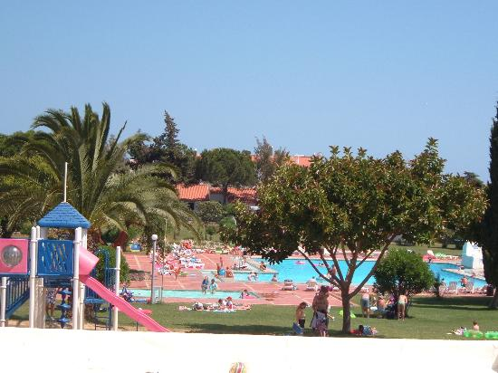 Vilanova Resort: the pool area