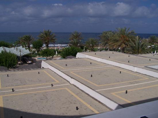Constantinou Bros Athena Beach Hotel: Sea View (stood up) from balcony