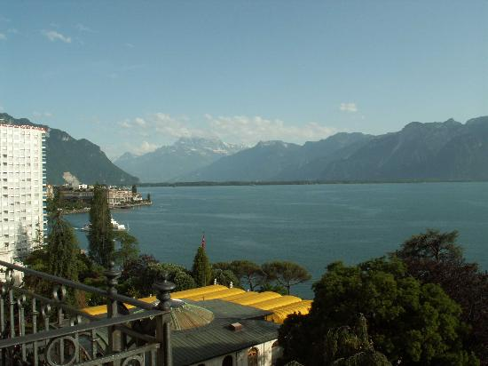 Fairmont Le Montreux Palace: View from Balcony
