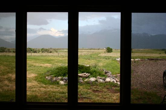 Johnstad's Bed and Breakfast and Log Guest House: The View from the room