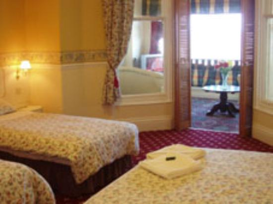 The Bromley: What a lovely room!