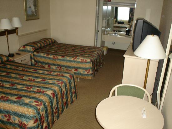 BEST WESTERN Space Shuttle Inn: Our room