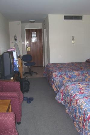 Delta Town & Country Inn Photo