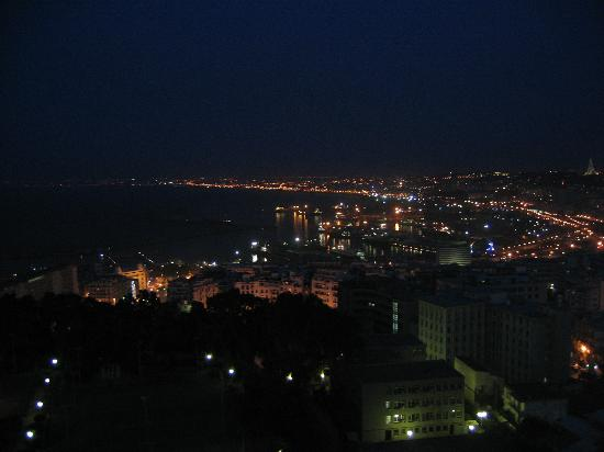 El Aurassi Hotel: view at night