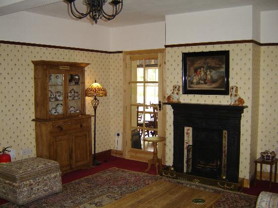 Bunratty Woods Country House: Hotel Lounge