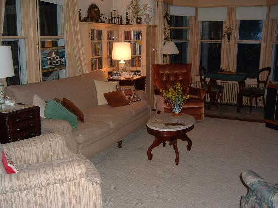 Baldwin Hill Farm Bed and Breakfast: Living Room