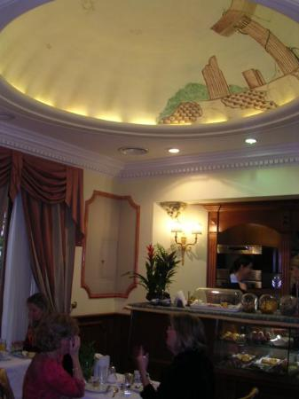 Hotel Manfredi Suite in Rome: Breakfast room