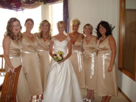 Adaberry Inn: Bride/bridesmaid at Adaberry
