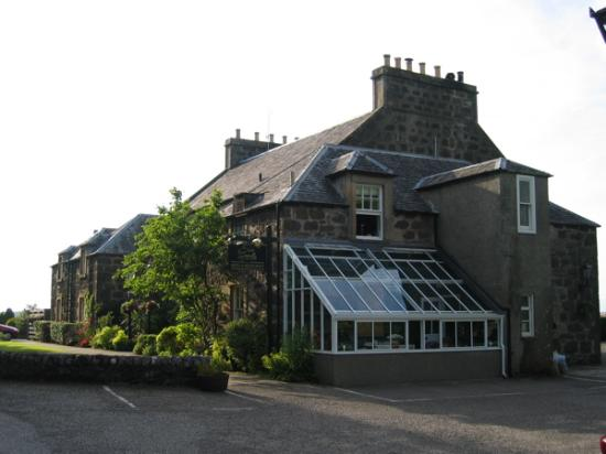 Manor House Hotel: We had the room directly above the sun room.