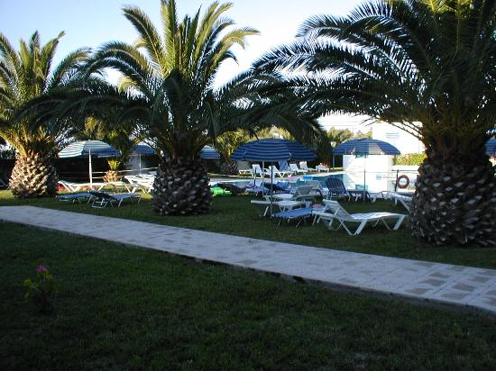 Aslanis Village: pool area