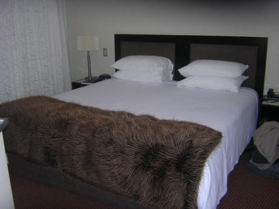 Bolton Hotel Wellington Photo