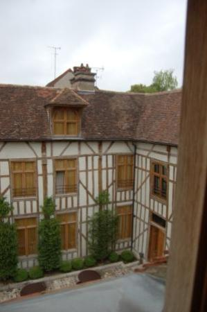 La Maison de Rhodes: hotel from bedroom window