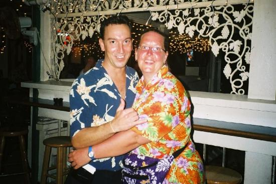 Tiki Town: Steve (the bartender) and me.  Just a few hours b4 i borded my plane back home