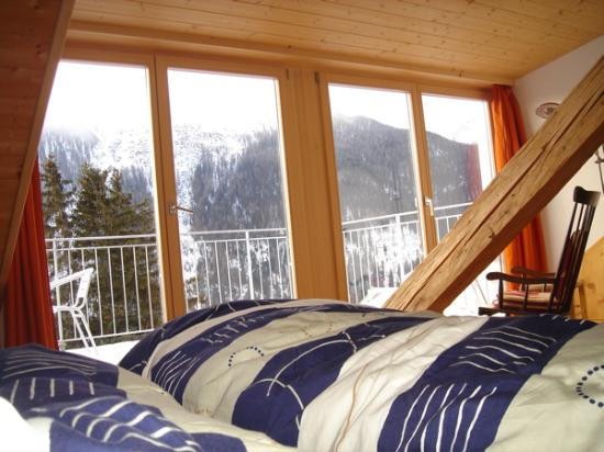 Boutique-Hotel Romantica Val Tuoi: view from bed outside to balcony