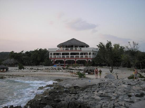 Coral Cove Resort: Accomodations