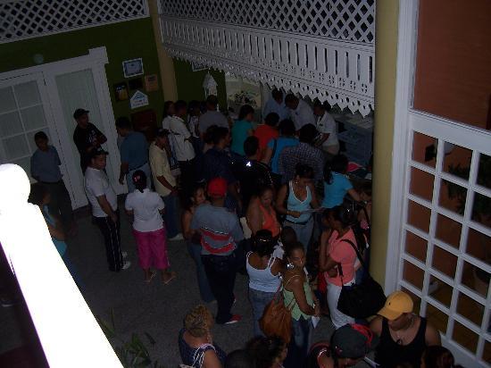 Puerto Plata Village Resort: chaos in the lobby