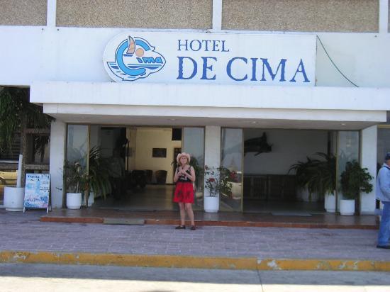 Hotel De Cima: Main Entrance