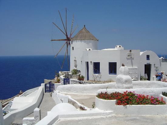Uranos Traditional Houses: My favourite shot of Oia