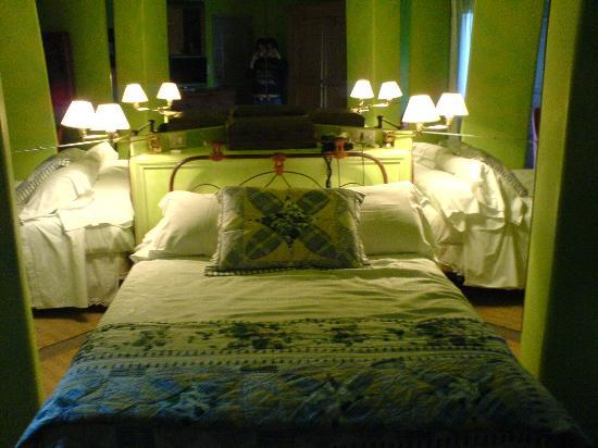Hotel L'Auberge: Room