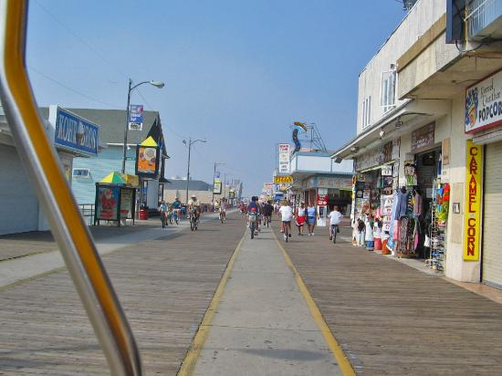 Wildwood Crest, NJ : The Boardwalk early in the morning