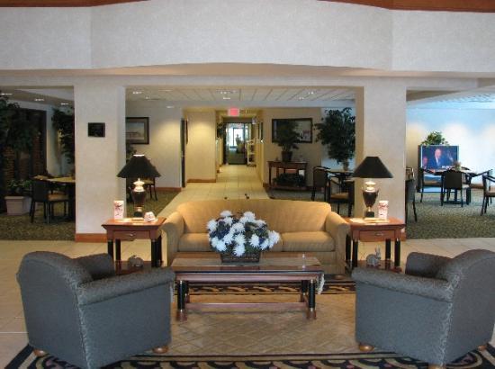 Wingate by Wyndham Little Rock: Lobby