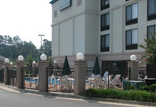 Wingate by Wyndham Little Rock: Pool