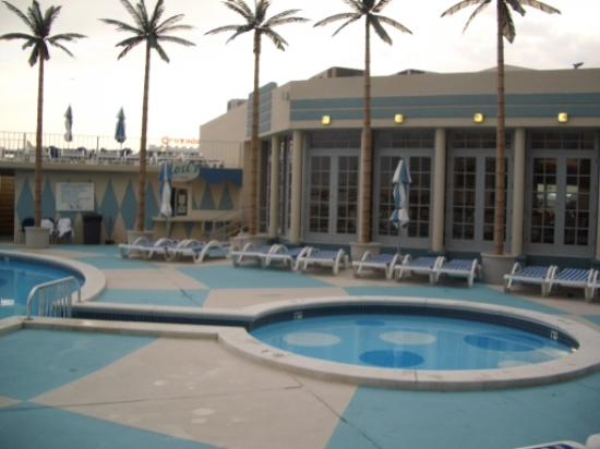 Pan American Hotel: pan am pool2