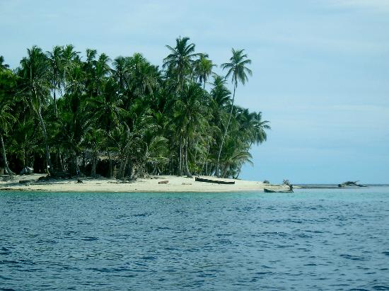 Coral Lodge: an island in San Blas