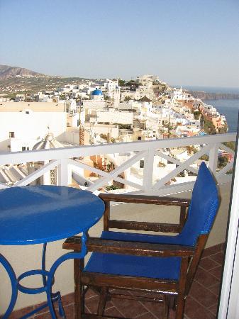 Villa Ilias Caldera Hotel: The balcony and view