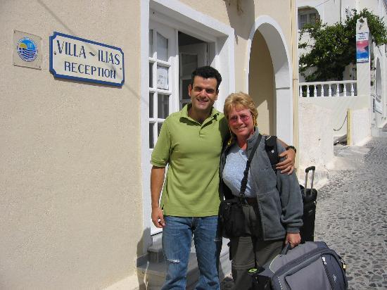 Villa Ilias Caldera Hotel: George and my wife Joni