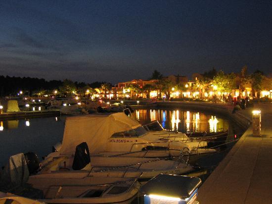 Sani Beach: Marina