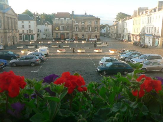 Kelso, UK: The Square at Daybreak from the Room at the Cross Key
