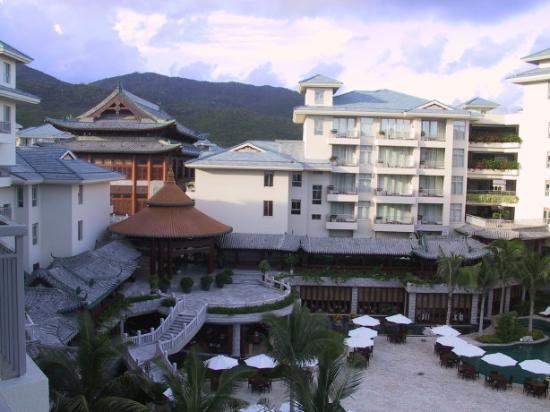 Huayu Resort and Spa Yalong Bay Sanya: View from the balcony