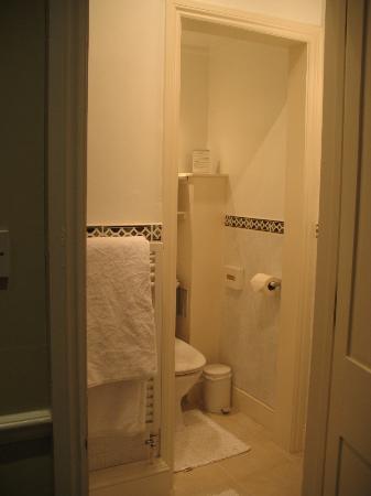 Oldfields House: bathroom room #12