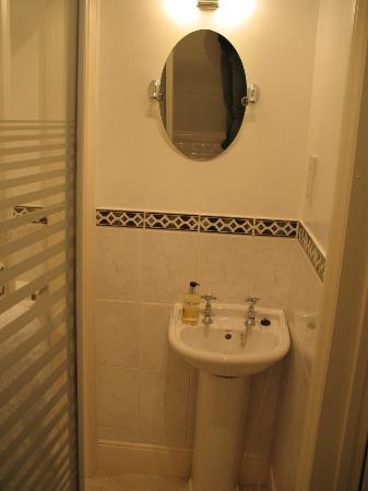 Oldfields House : bathroom room #12