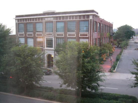 Hampton Inn Columbia - Downtown Historic District: Looking out the front 2nd story window